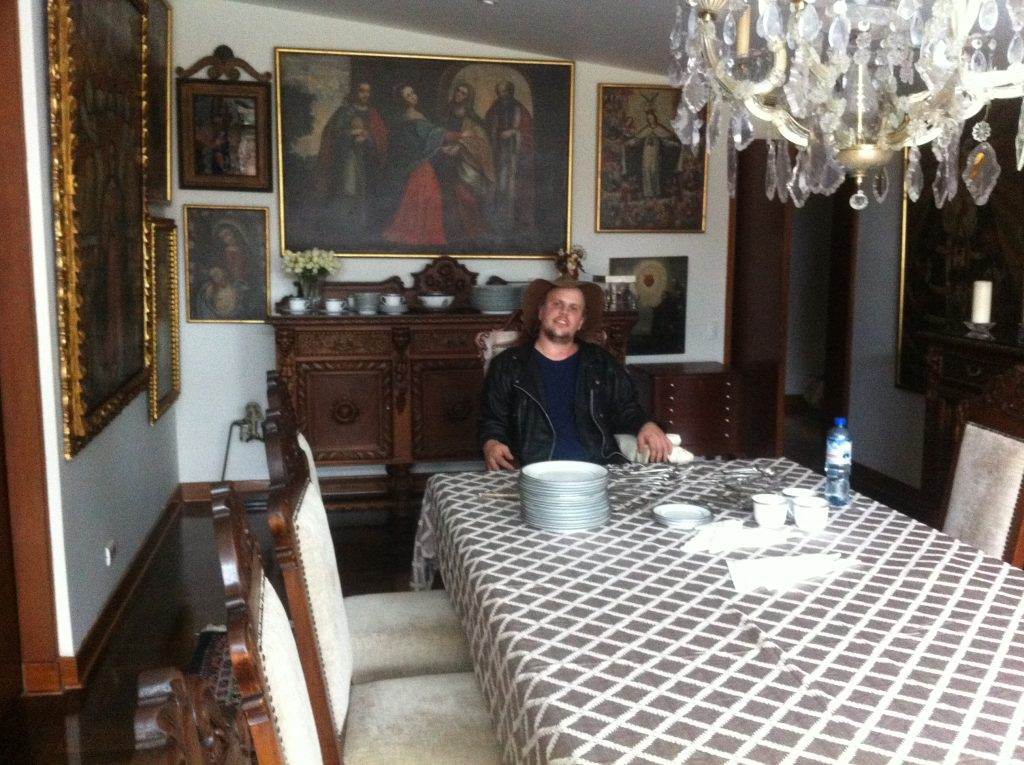 Me, in admiral Yabar's house